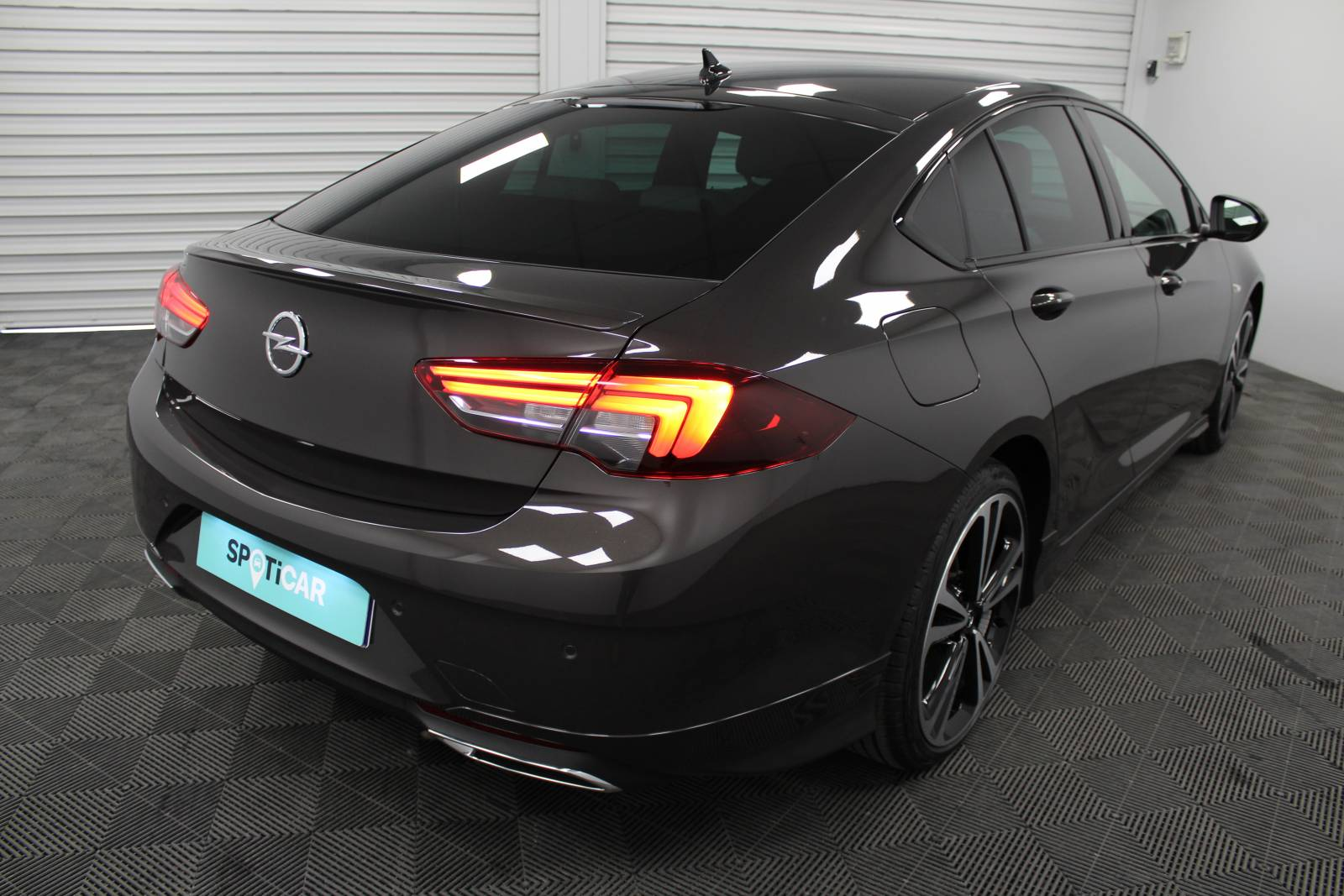 OPEL Insignia Grand Sport 2.0 Diesel 174 ch BVA8 - véhicule d'occasion - Site Internet Faurie - Opel - Faurie Motor Charente Angouleme - 16160 - Gond-Pontouvre - 13