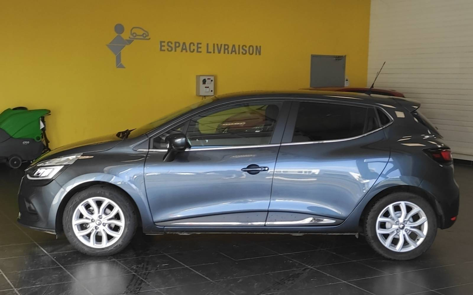 RENAULT Clio TCe 90 Energy - véhicule d'occasion - Site Internet Faurie - Sarda - 24750 - Trelissac - 5