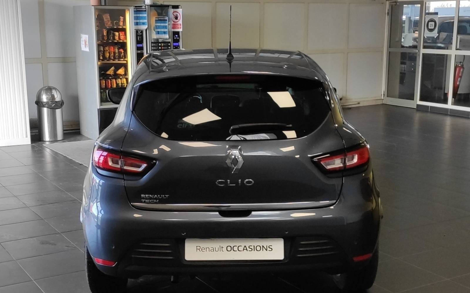RENAULT Clio TCe 90 Energy - véhicule d'occasion - Site Internet Faurie - Sarda - 24750 - Trelissac - 6