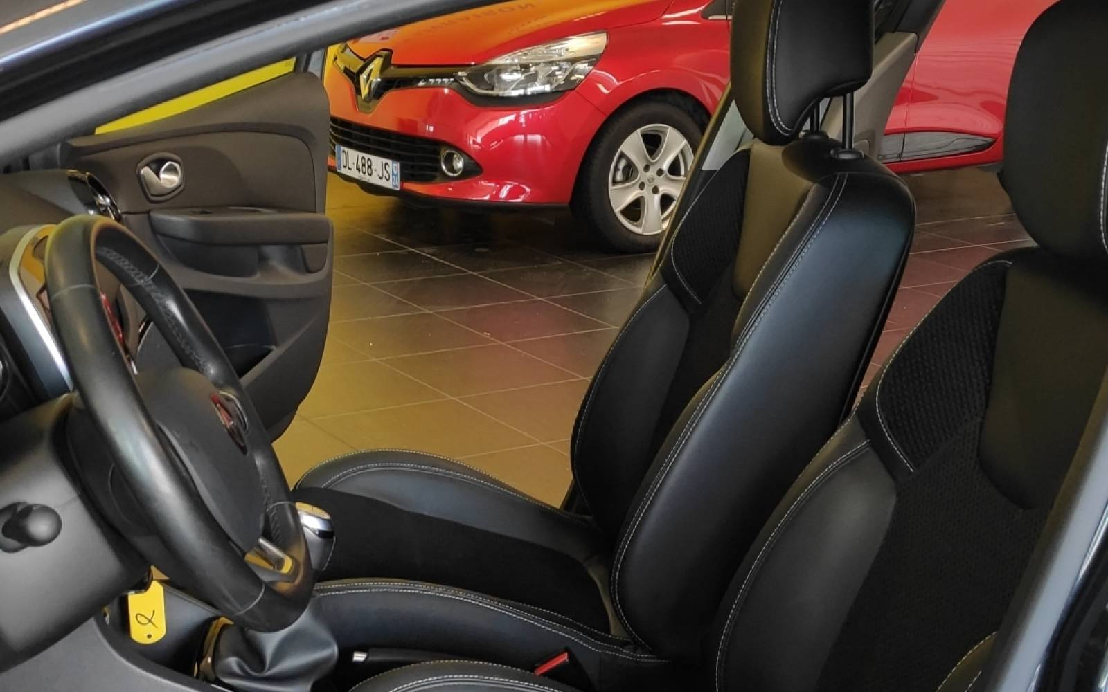 RENAULT Clio TCe 90 Energy - véhicule d'occasion - Site Internet Faurie - Sarda - 24750 - Trelissac - 9