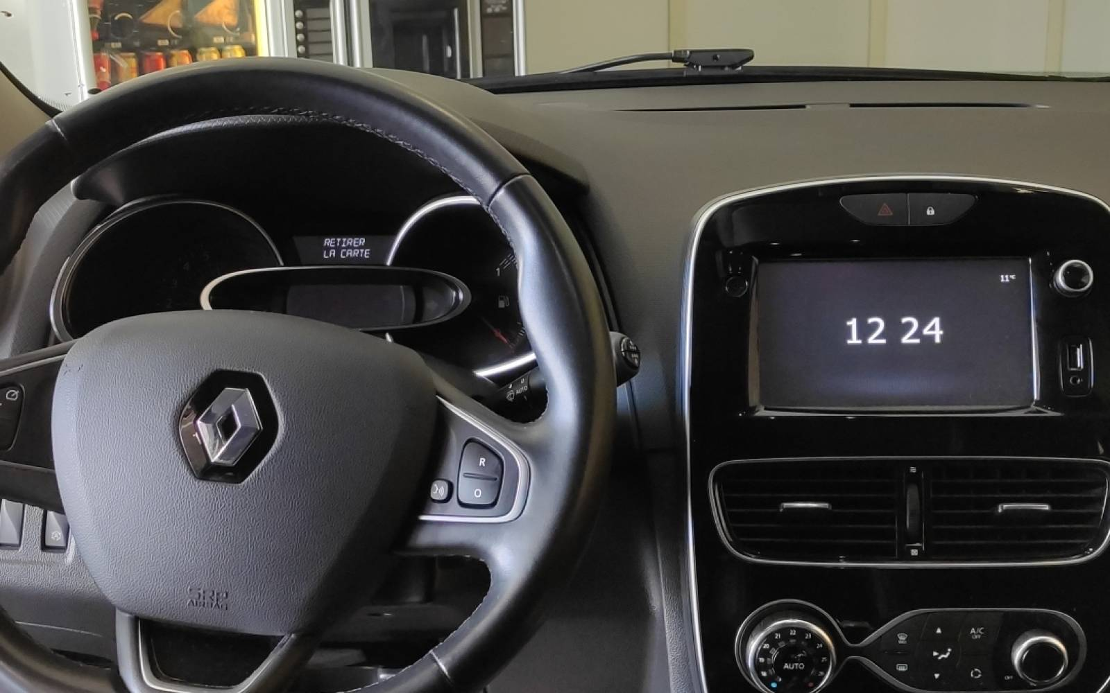 RENAULT Clio TCe 90 Energy - véhicule d'occasion - Site Internet Faurie - Sarda - 24750 - Trelissac - 10