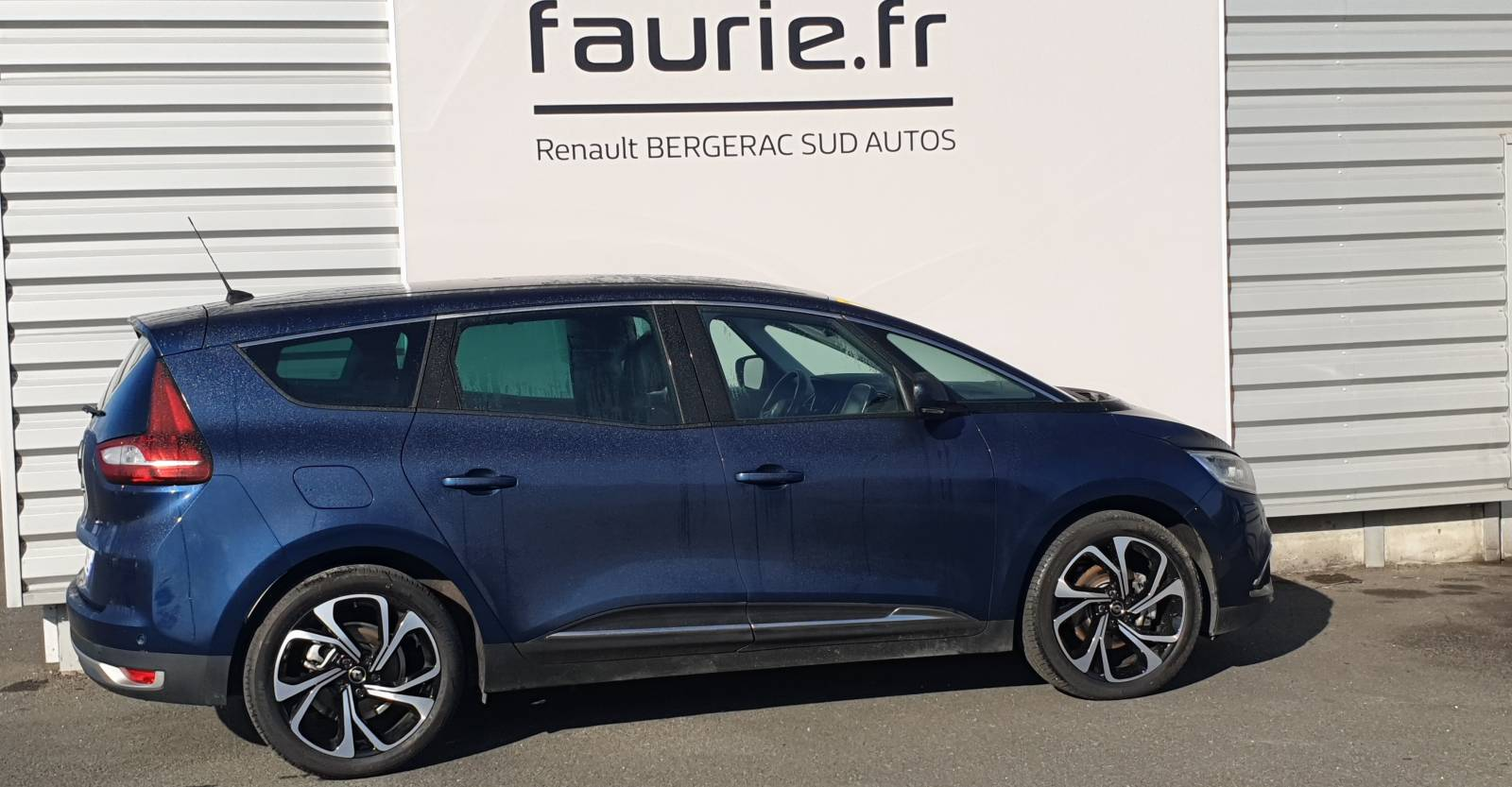 RENAULT Grand Scenic Blue dCi 150 - véhicule d'occasion - Site Internet Faurie - Renault - Faurie Auto Bergerac - 24100 - Bergerac - 4