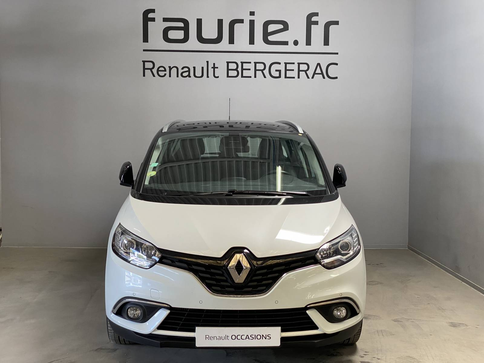 RENAULT Grand Scénic dCi 110 Energy EDC - véhicule d'occasion - Site Internet Faurie - Renault - Faurie Auto Bergerac - 24100 - Bergerac - 2