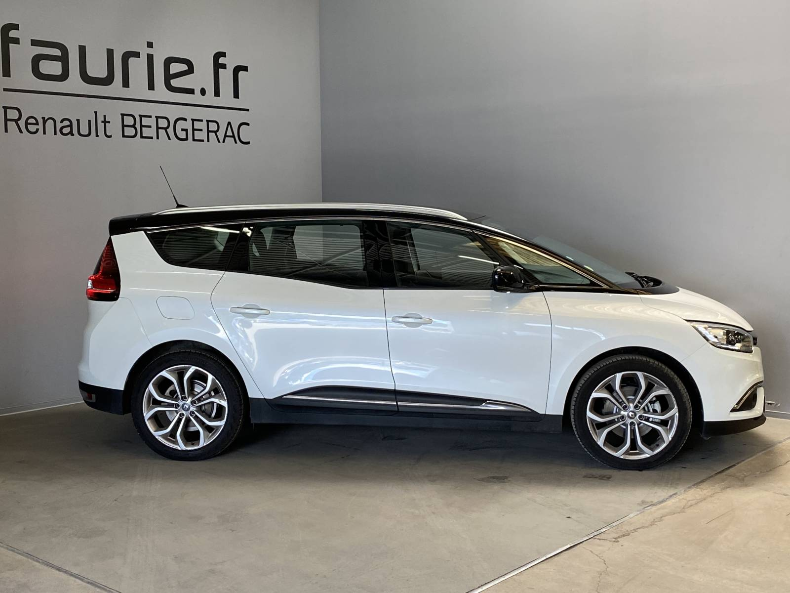 RENAULT Grand Scénic dCi 110 Energy EDC - véhicule d'occasion - Site Internet Faurie - Renault - Faurie Auto Bergerac - 24100 - Bergerac - 14