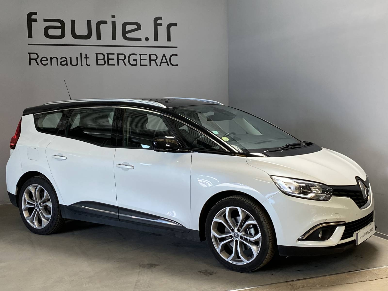 RENAULT Grand Scénic dCi 110 Energy EDC - véhicule d'occasion - Site Internet Faurie - Renault - Faurie Auto Bergerac - 24100 - Bergerac - 3