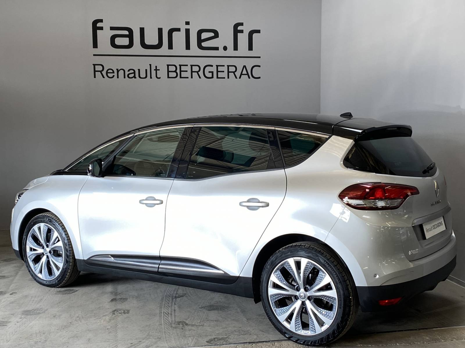 RENAULT Scenic dCi 130 Energy - véhicule d'occasion - Site Internet Faurie - Renault - Faurie Auto Bergerac - 24100 - Bergerac - 8