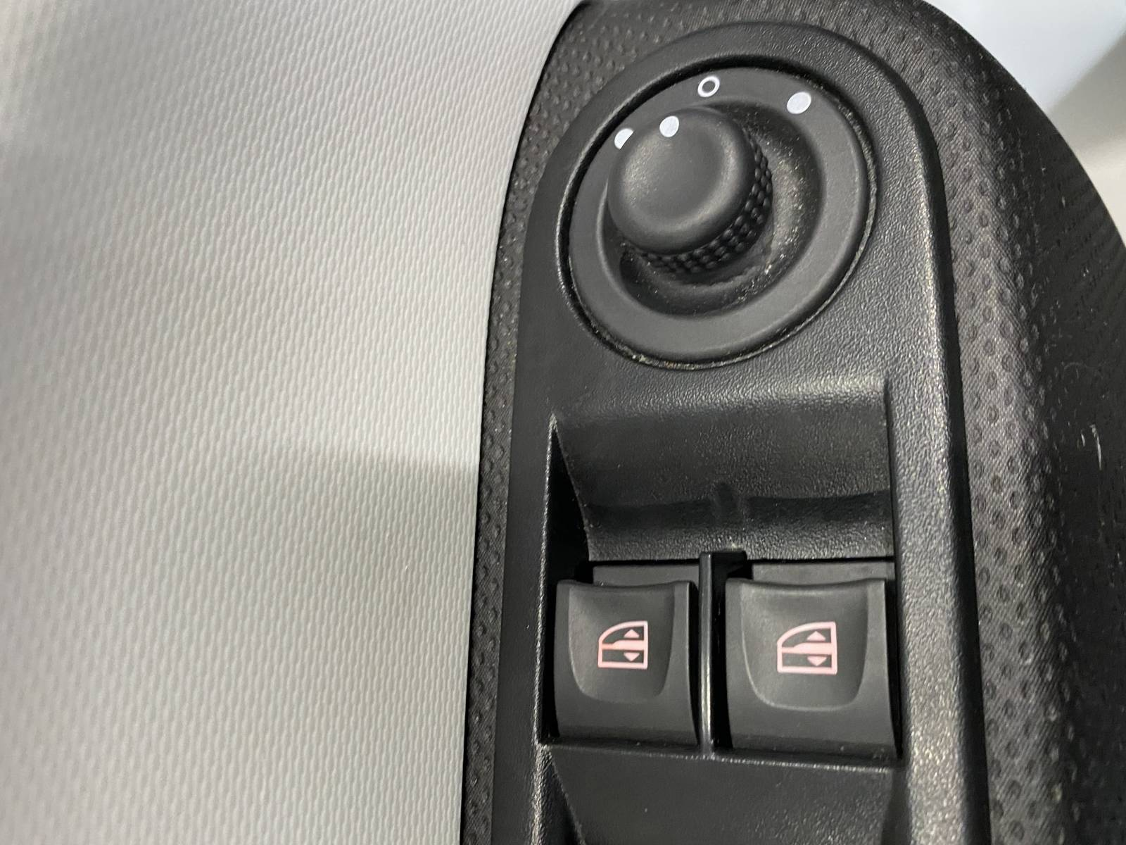 RENAULT Twingo III 0.9 TCe 90 Energy E6C - véhicule d'occasion - Site Internet Faurie - Renault - Faurie Auto Limoges - 87000 - Limoges - 3