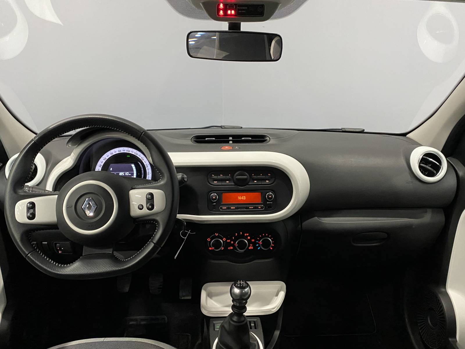 RENAULT Twingo III 0.9 TCe 90 Energy E6C - véhicule d'occasion - Site Internet Faurie - Renault - Faurie Auto Limoges - 87000 - Limoges - 7