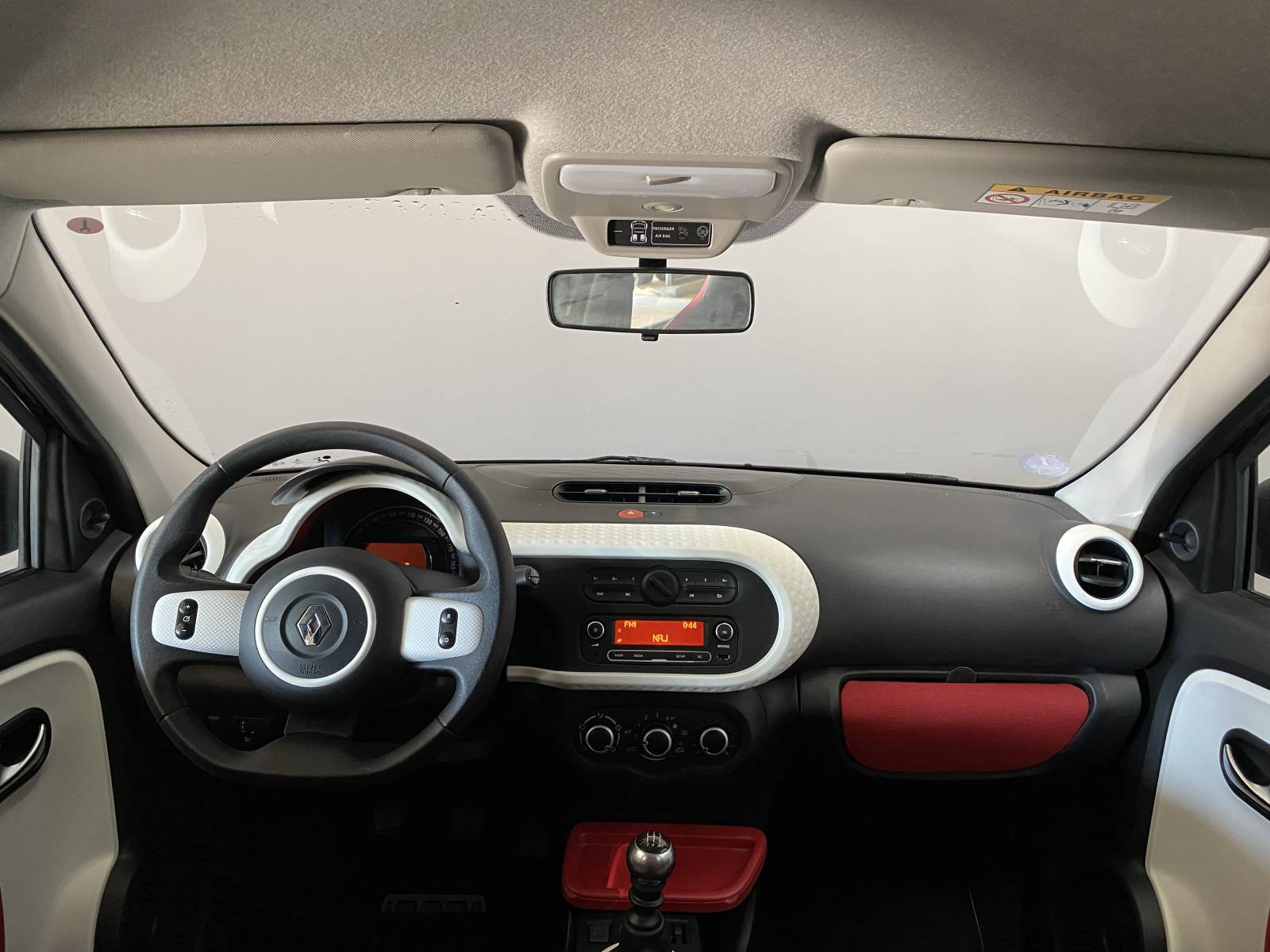 RENAULT Twingo III 0.9 TCe 90 Energy - véhicule d'occasion - Site Internet Faurie - Renault - Faurie Auto Bergerac - 24100 - Bergerac - 18