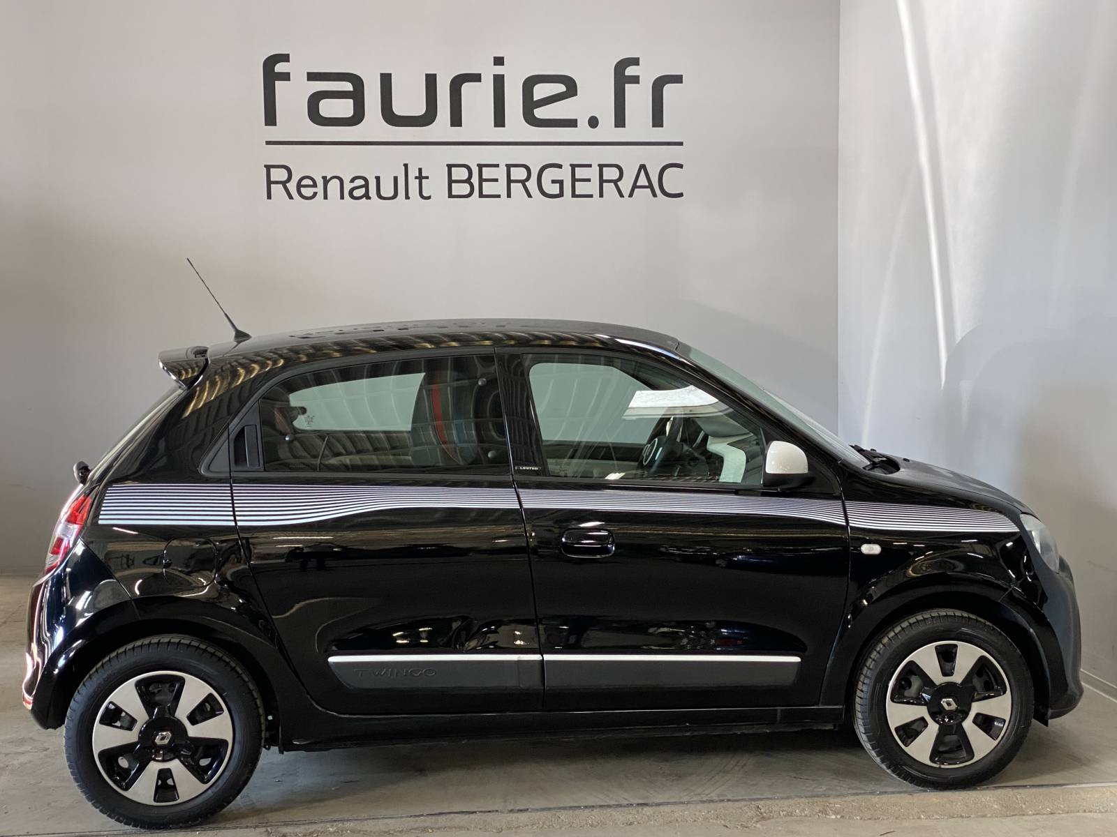 RENAULT Twingo III 0.9 TCe 90 Energy - véhicule d'occasion - Site Internet Faurie - Renault - Faurie Auto Bergerac - 24100 - Bergerac - 4