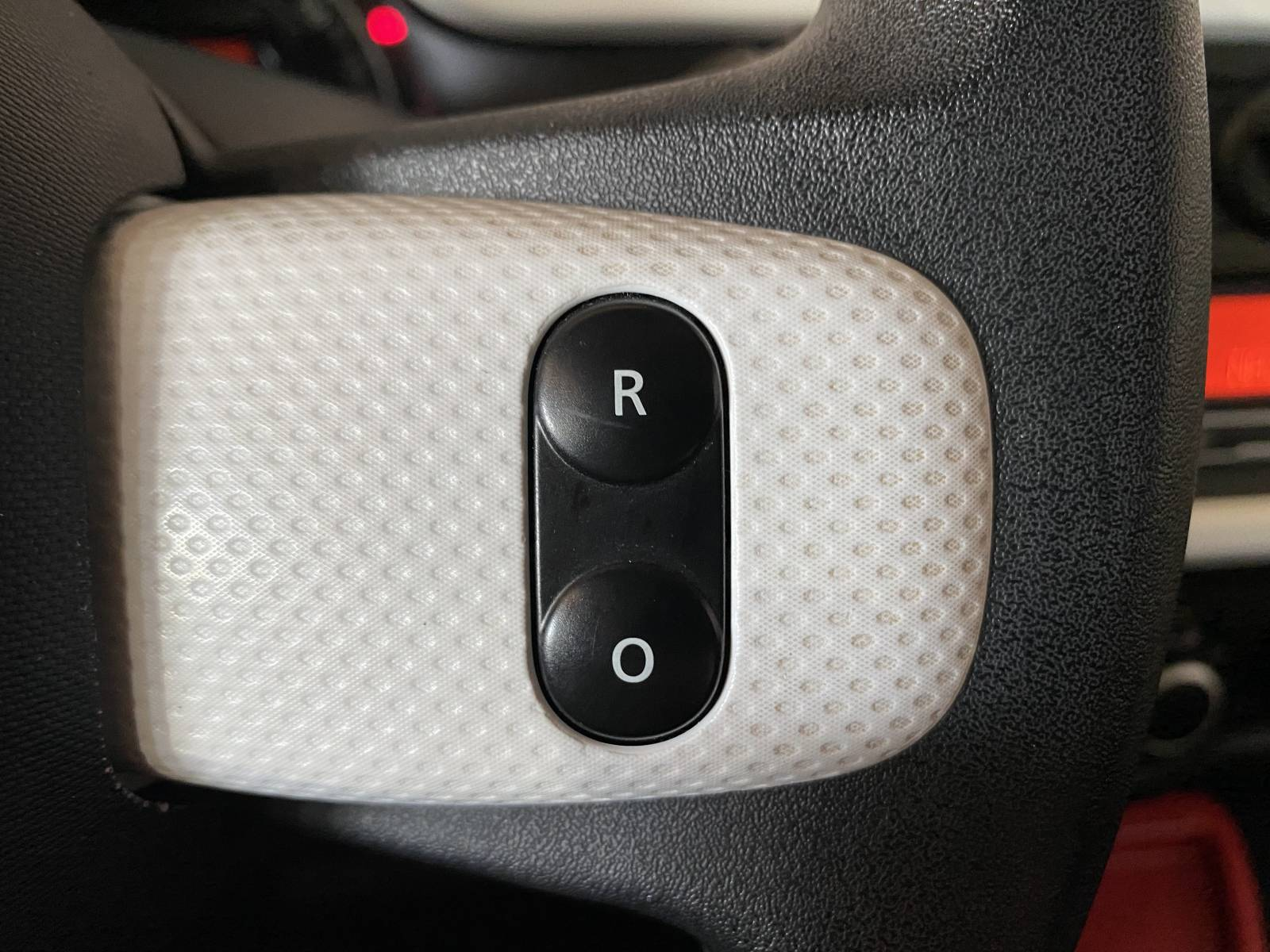 RENAULT Twingo III 0.9 TCe 90 Energy - véhicule d'occasion - Site Internet Faurie - Renault - Faurie Auto Bergerac - 24100 - Bergerac - 35